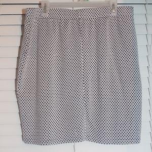 EUC Size L Junarose navy & white knit mini skirt
